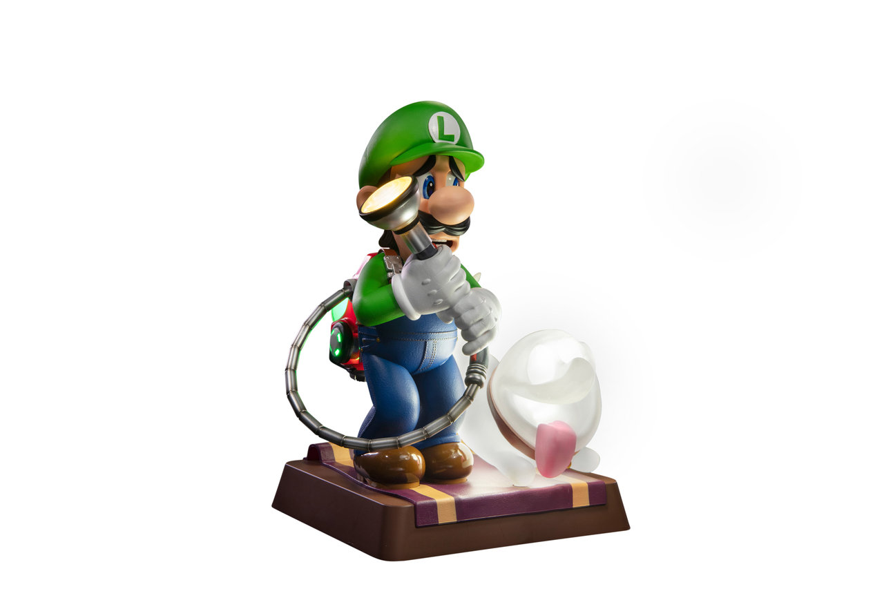 Luigi 9 Inch PVC Statue Collector/'s Edition First 4 Figure Luigi/'s Mansion 3