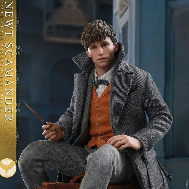 Harry Potter: Fantastic Beasts 2 - Newt Scamander 1:6 Scale Figure - Hot Toys