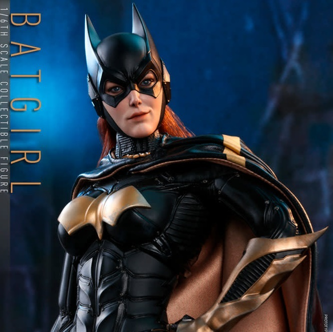 DC Comics: Batman Arkham Knight - Batgirl 1:6 Scale Figure - Hot Toys